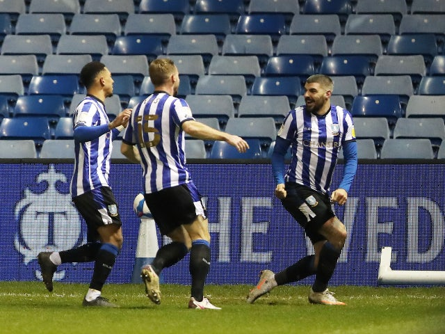 Callum Paterson celebrates Sheffield Wednesday's goal against Derby County on January 1, 2021