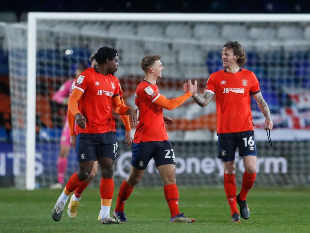 Glen Rea of Luton Town celebrates the score against Bristol City in the championship on December 29, 2020